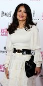 LOS ANGELES - 23 de fevereiro: Salma Hayek atende a 2013 Film Independent Spirit Awards na tenda em th