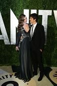 WEST HOLLYWOOD, CA - 24 de fevereiro: Miranda Kerr, Orlando Bloom na Vanity Fair Oscar festa ao pôr do sol para