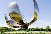 Floralis Generica sculpture