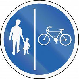 foto of segregation  - Road sign in Iceland  - JPG