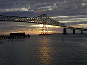 Ponte do pôr do sol