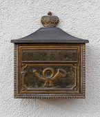 Mailbox with posthorn