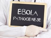 Doctor Shows Information: Ebola Pathogenesis In German