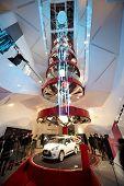 PARIS - 1 de janeiro: CITROEN DS3 apresentado na sala de exposições C_42 na Avenue des Champs Elysee