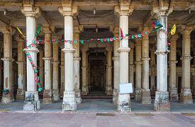 pic of saracen  - Column at Sarkhej Roza mosque Ahmedabad India  - JPG