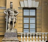 pic of knights  - sculpture of a knight with a balcony next to the building