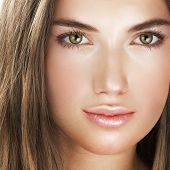 foto of beautiful face  - Beauty with perfect natural makeup look - JPG