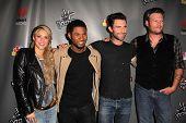 LOS ANGELES - MAY 8:  Shakira, Usher, Adam Levine, Blake Shelton arrives at