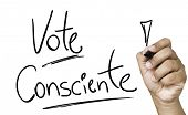Educational and Creative composition with the message Conscience Vote (Portuguese: Vote Consciente) on the blackboard