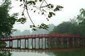 Bridge On The Hoan Kiem Lake,hanoi,Vietnam .