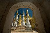 Shwe Inn Taing Paya , Indein ( Nyangshwe ), Inle Lake, Myanmar.