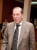 Moscou-, 24 de junho: Embaixador da Itália na Rússia Vittorio Claudio Surdo. Estréia de cinema. 32º Moscovo