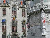 Bruges Statues