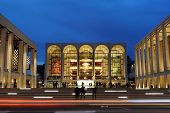 NEW YORK CITY - 23 oktober: Metropolitan Opera House in het Lincoln Center gastheren vele wereld klasse musici