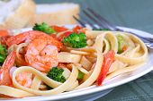 Fettuccine Pasta With Shrimp And Vegetables