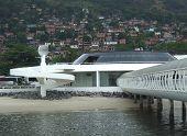 Oscar Niemeyer'S Ferryboat Station