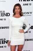 LOS ANGELES - 3 de JUN: Charisma Carpenter arrivesa para a Premiere de Los Angeles