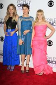 LOS ANGELES - JAN 8:  Kaley Cuoco, Mayim Bialik, Melissa Rauch at the People's Choice Awards 2014 -