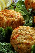 picture of crab-cakes  - crab cakes platter - JPG