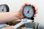 Repair Of A Pressure Gauge