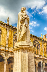 pic of alighieri  - Monument for Dante Alighieri at the Piazza dei Signori in Verona Italy - JPG