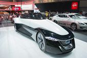 Nissan Bladeglider Concept 2015 On Display