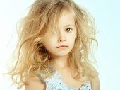 Retrato de niña bonita