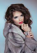 Beauty Fashion Model Girl In Mink Fur Coat. Beautiful Luxury Winter Woman Portrait
