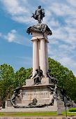 Torino, Monumento A Vittorio Emanuele