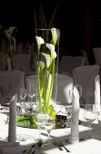 Table decoration with white callas