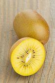 Golden Kiwifruit/ Kiwi Cut And Whole