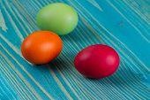 Easter Eggs An  Wooden Platte