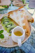 Kiwi Waffle With Honey