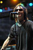 Marky Ramone Grammy ausgezeichnet Musiker und seine Band führt live