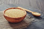 Raw Quinoa Seeds