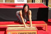 Sandra Bullock at the Sandra Bullock Hand And Footprint Ceremony, Chinese Theater, Hollywood, CA 09-