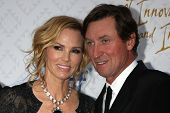 Janet Jones Gretzky and Wayne Gretzky at the 10th Alfred Mann Foundation Gala, Robinson-May Lot, Bev