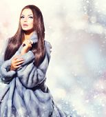 pic of mink  - Beauty Fashion Model Girl in Blue Mink Fur Coat - JPG
