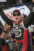 Dover, DE - Sep 28, 2014:  Jeff Gordon (24) wins the AAA 400 at Dover International Speedway in Dover, DE.