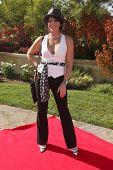 LOS ANGELES, 11 de julho: Lesli Kay chega a Birgit C. Muller Fashion Show no rancho de Chaves em julho