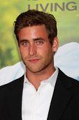 LOS ANGELES - JUL 20:  Oliver Jackson Cohen arrives at the