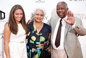 NEW YORK-AUG 5: (L-R) Emily Aaron, Hank Aaron and wife Billye attend the premiere of Lee Daniels'