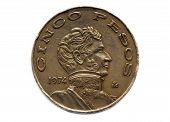 Peso de cinco moedas