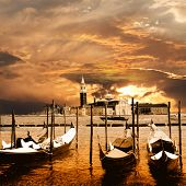 picture of gondolier  - sunset in Venice - JPG