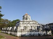 Grand Phra Sumen Fort