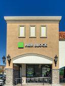 H&r Block Retail Exterior