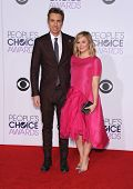 LOS ANGELES - JAN 07:  Dax Shepard & Kristen Bell arrives to the People's Choice Awards 2014  on January 7, 2015 in Los Angeles, CA
