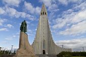 Hallgrimskirkja Church, Reykjavik,iceland, With Statue Of Lief Erikson