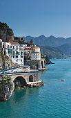 Vista de Atrani, Costiera Amalfitana, Italia