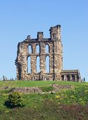 foto of tyne  - Overlooking the North Sea and the River Tyne Tynemouth Castle and Priory on the coast of North East England was once one of the largest fortified areas in England - JPG